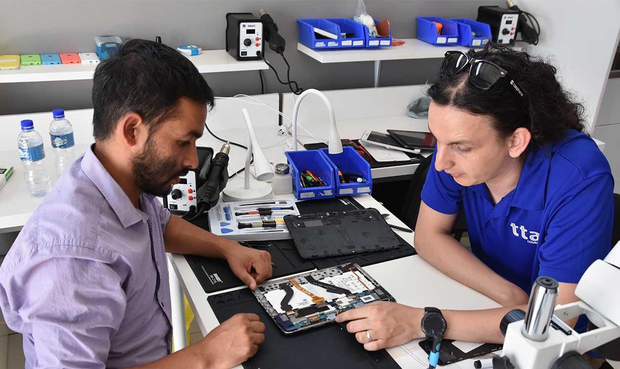 Personal phone repair technician training
